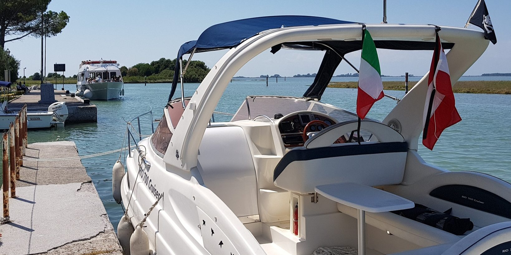 schwaigernautik.com motorboot binnen von achtern an mole panorama